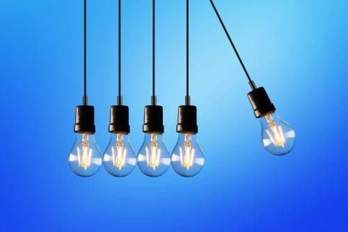 Češi čím dál častěji mění dodavatele energií. Proč?